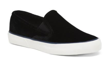 https://tjmaxx.tjx.com/store/jump/product/Slip-On-Sneakers/1000363434?skuId=1000363434878457